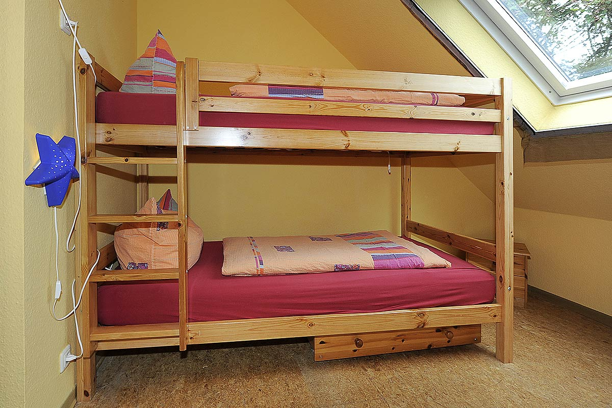 hochbett 2 personen alta 5 bunk bed high sleeper wardrobe desk bed children 1000 images about. Black Bedroom Furniture Sets. Home Design Ideas