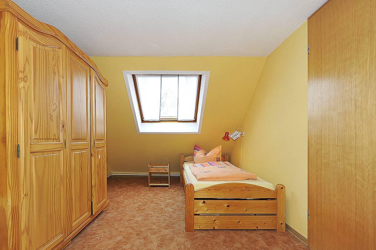 kinderzimmer bild 2. Black Bedroom Furniture Sets. Home Design Ideas